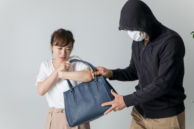 海外旅行に最適な安全なショルダーバッグの紹介【ミニマリスト】