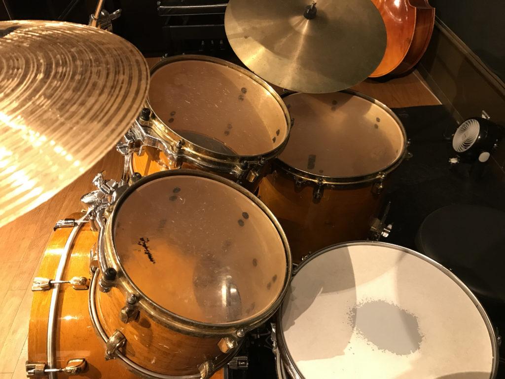 【ドラム】2タムや3タムなど多点セットのメリットとは何か
