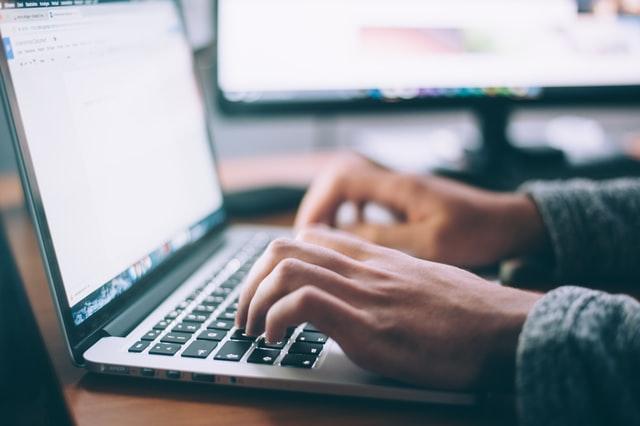 【ブログ初心者へ】ブログの始め方を1から紹介!稼ぐ方法も