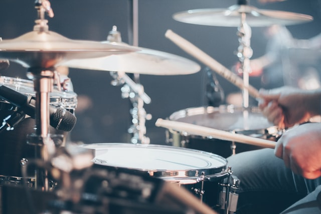 ドラムのアップダウン奏法でハイハットを速く叩く練習方法