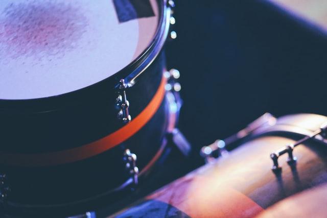 ドラムのサンバキックを習得する方法とコツ